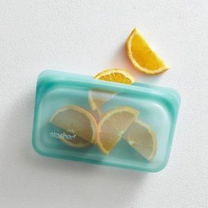 STASHER Reusable Silicone Food Bag Snack Size